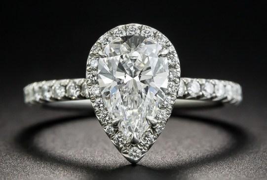 Así es cómo ha cambiado el anillo de compromiso a través de los años - historia-anillo-compromiso-1950-300x203