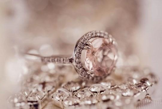 Así es cómo ha cambiado el anillo de compromiso a través de los años - historia-anillo-compromiso-2-300x203