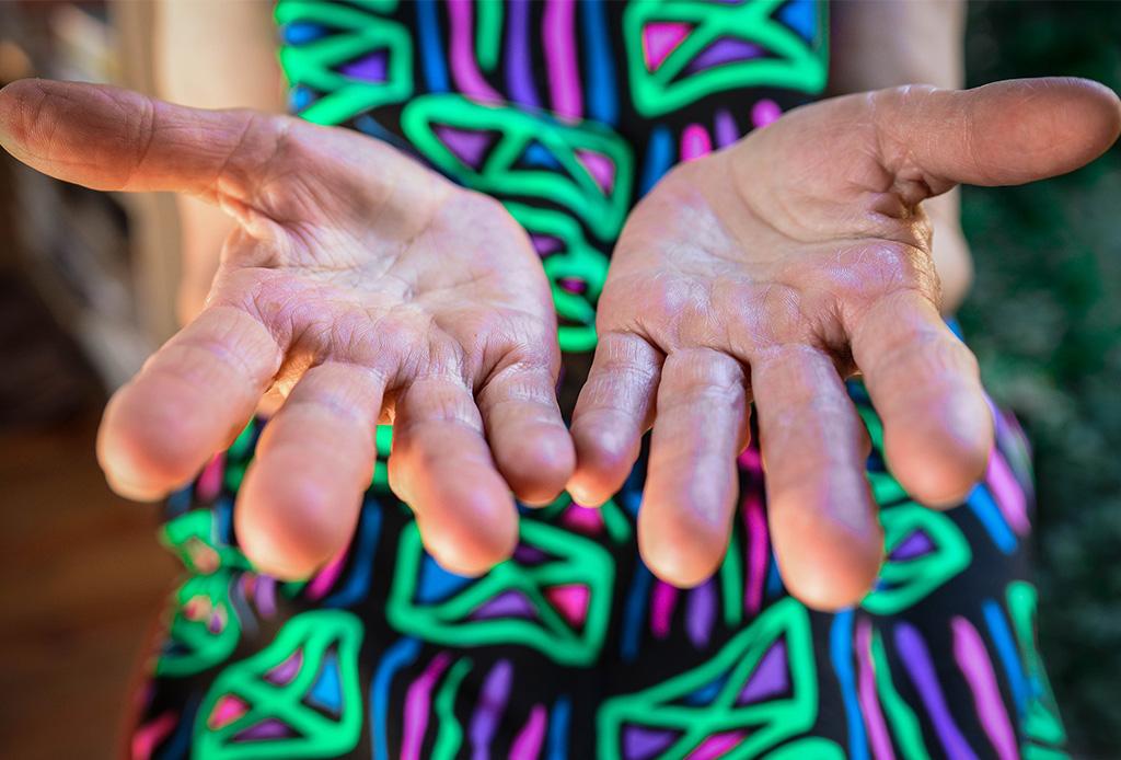 ¿Cómo hacer que tus manos se vean jóvenes?