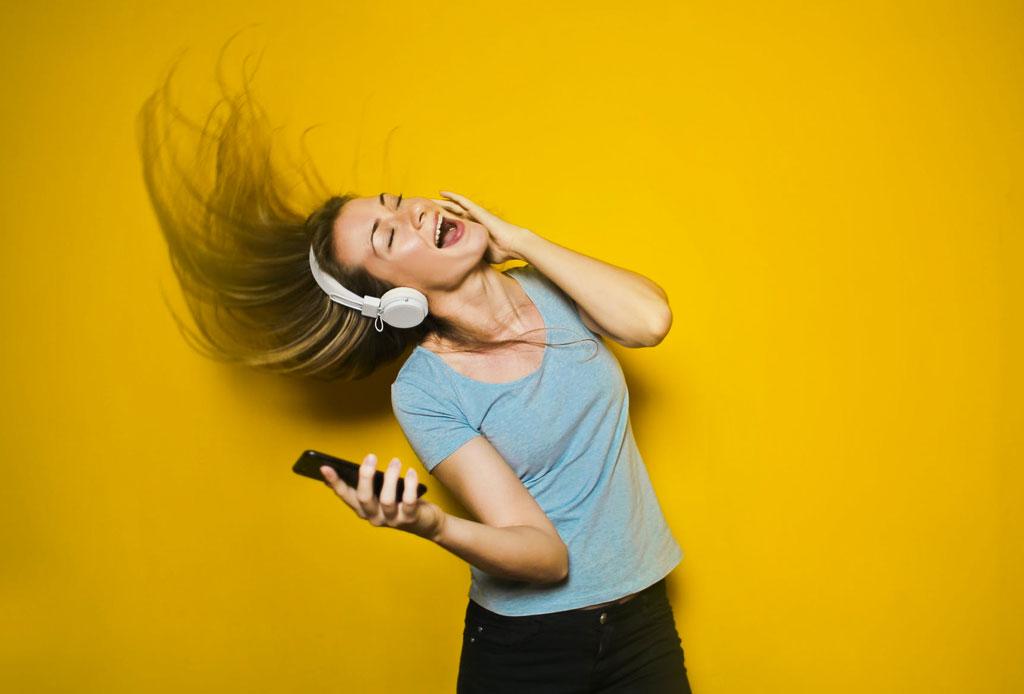 Esta playlist levantará tu ánimo hasta en el día más gris
