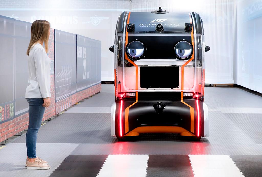¿Un coche que te puede ver? Este auto puede hacer contacto visual con los peatones
