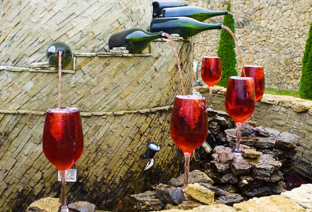 ¿Sabías que existe una fuente de vino en Italia?
