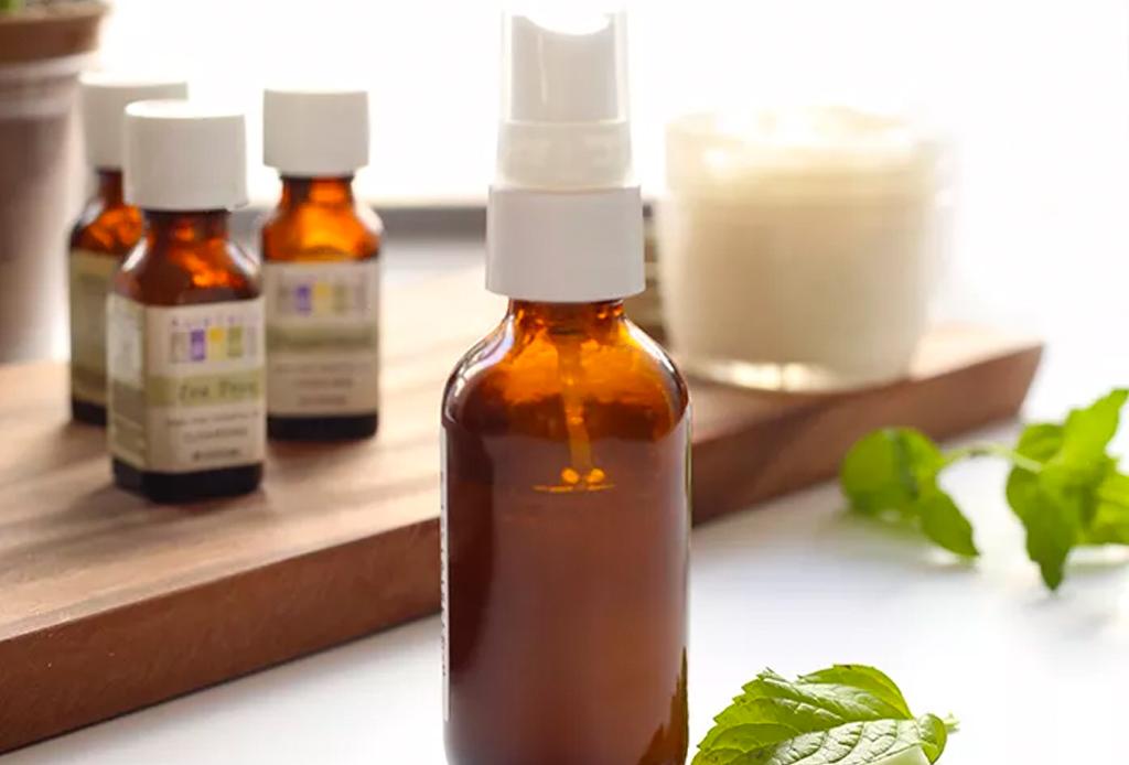 Repelentes de insectos hechos con aceites esenciales para tu perrito