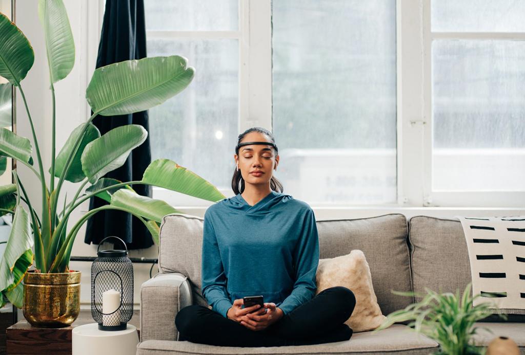 NECESITAS este gadget para mejorar tus sesiones de meditación - muse-meditacion-5