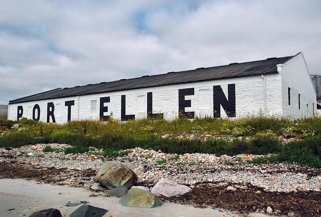 Conoce la historia de Port Ellen, una de las destilerías de whisky más famosas del mundo