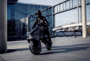¡Te va a impresionar la primera moto eléctrica impresa en 3D!