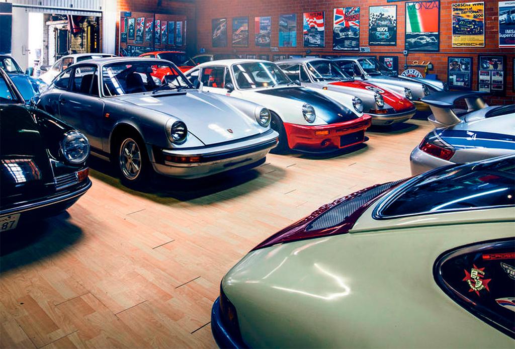 Él es poseedor de una increíble colección de Porsche - coleccion-porsche-3