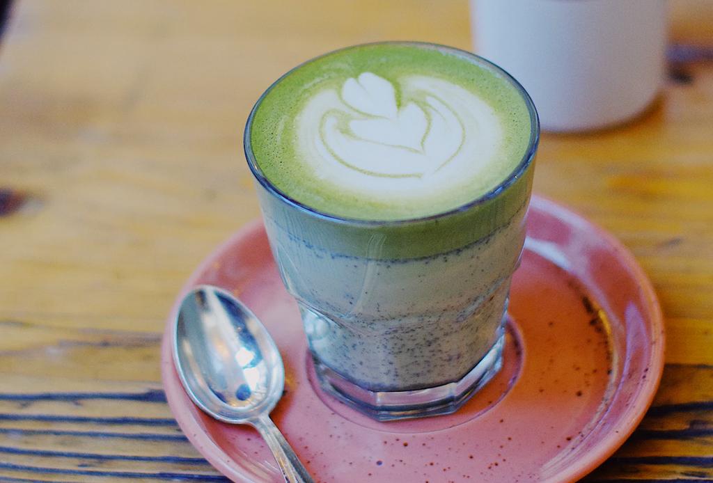 5 lattes de diferentes colores que tienes que probar en la CDMX