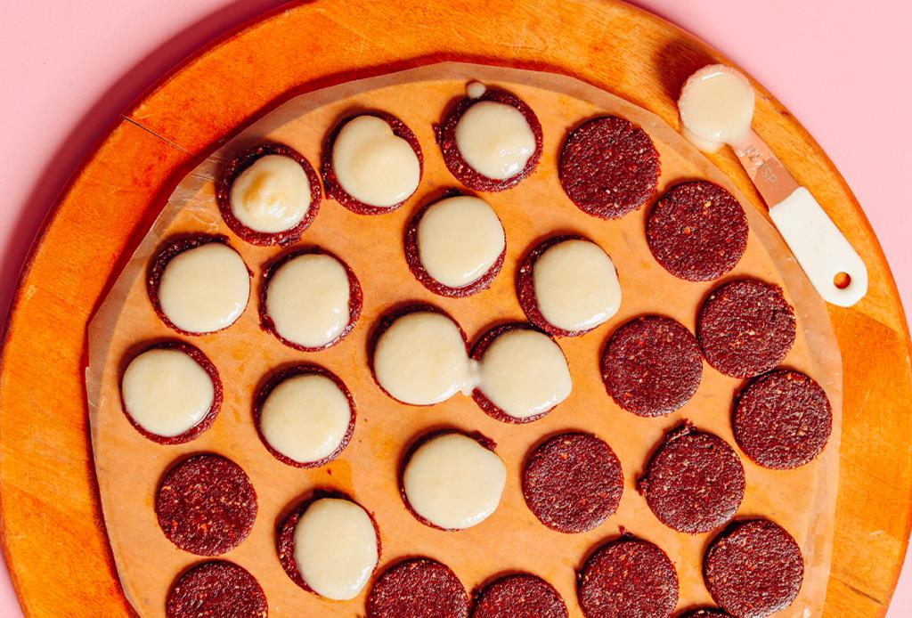 Prepara en casa galletas Oreo veganas, ¡te decimos cómo! - oreos-veganas-2