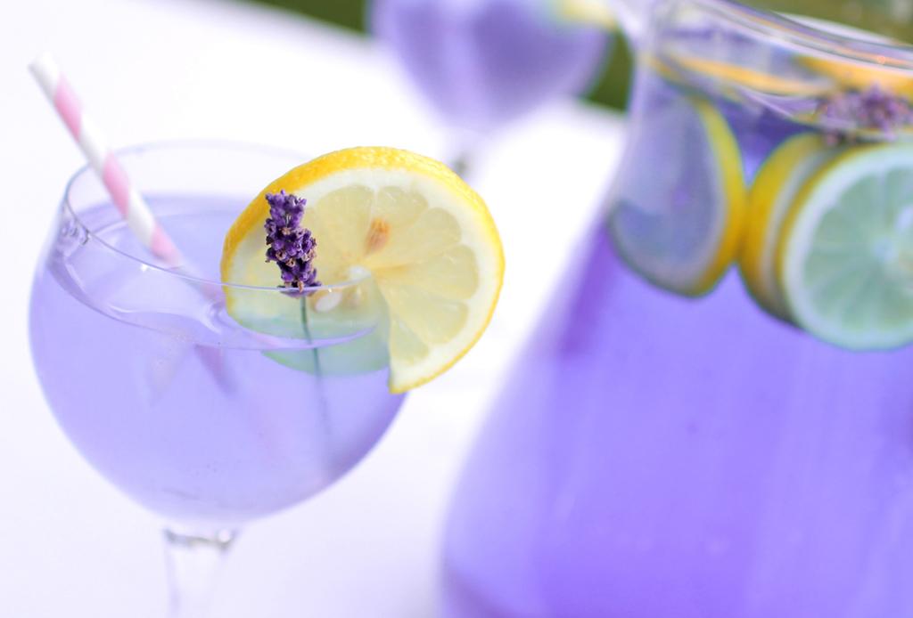 Nada más fresco y relajante que una limonada de lavanda ¡aprende a prepararla!