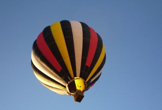 Lugares para volar en globo aerostático en México - vuelo-en-globo-val-quirico-300x203