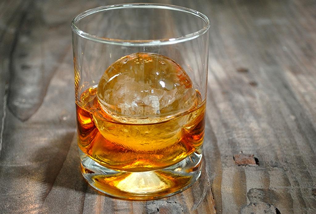 Te decimos cómo hacer el hielo perfecto para tus drinks - hielo-3