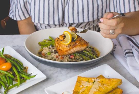 Sigue estos tips para controlar las porciones de tus alimentos y evitar los kilos de más - tips-porciones-comida-4-300x203