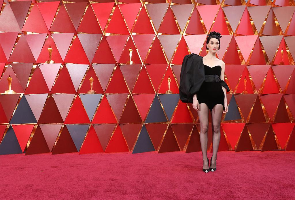 Estos son los peores vestidos de la historia en los premios Oscar - vestidos-oscares-3