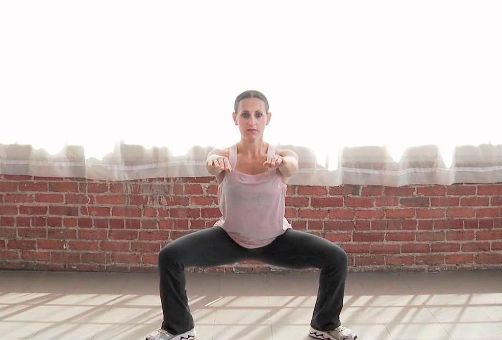 Los ejercicios que debes hacer, según Kayla Istines, si estás embarazada - ejercicios-embarazo-1