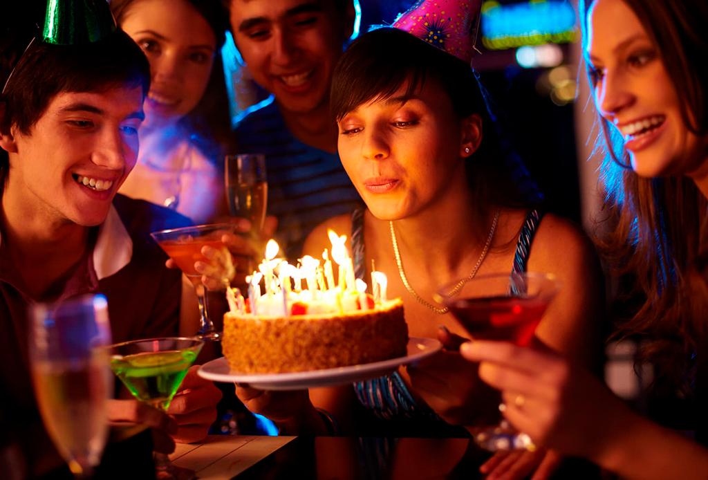 ¡Celebra tu cumpleaños en nuestros Bday Places de Abril!