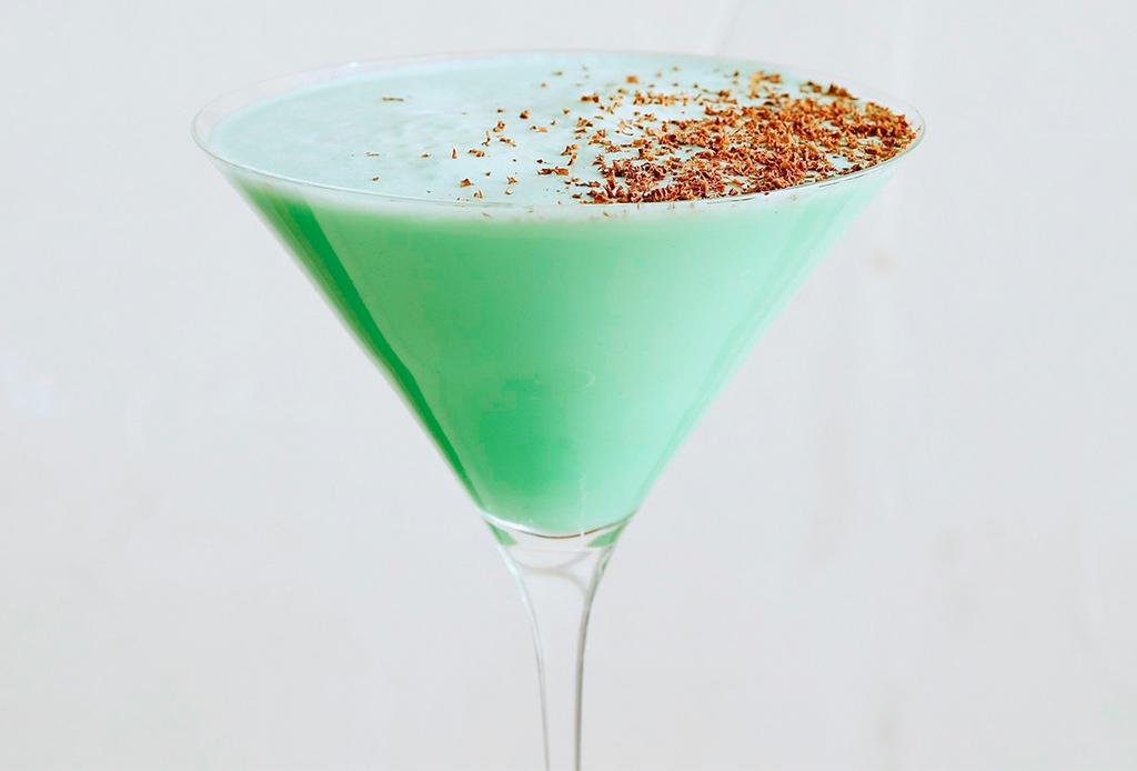 ¿Un drink de chocolate y menta? ¡Tenemos la receta del grasshoper!