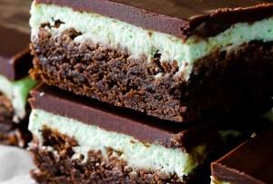 Tenemos la receta de unos deliciosos brownies de menta con chocolate