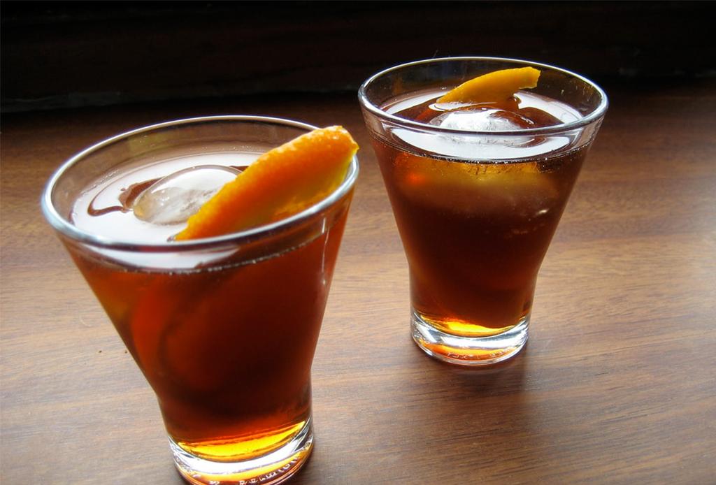 ¡Prepara tu propio vermouth en casa! Te decimos cómo hacerlo - vermouth-en-casa-2
