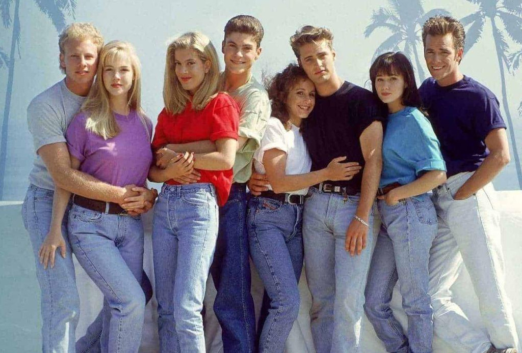 Beverly Hills, 90210 regresa a la pantalla y esta playlist te hará revivirla