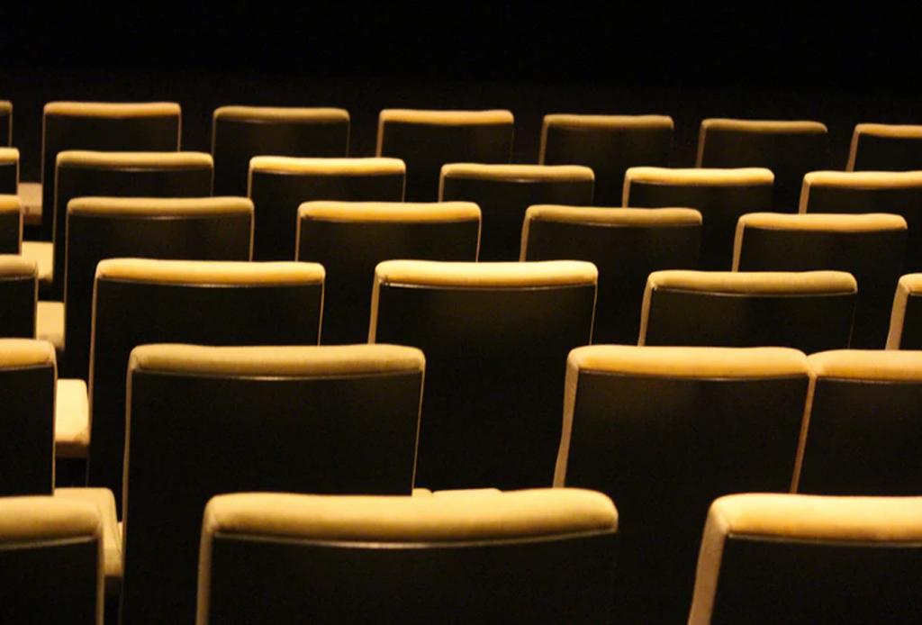 Humedad - humedad-teatro-helenico
