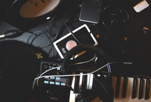 Nuevos proyectos mexicanos de R&B que TIENES que escuchar ¡ya!