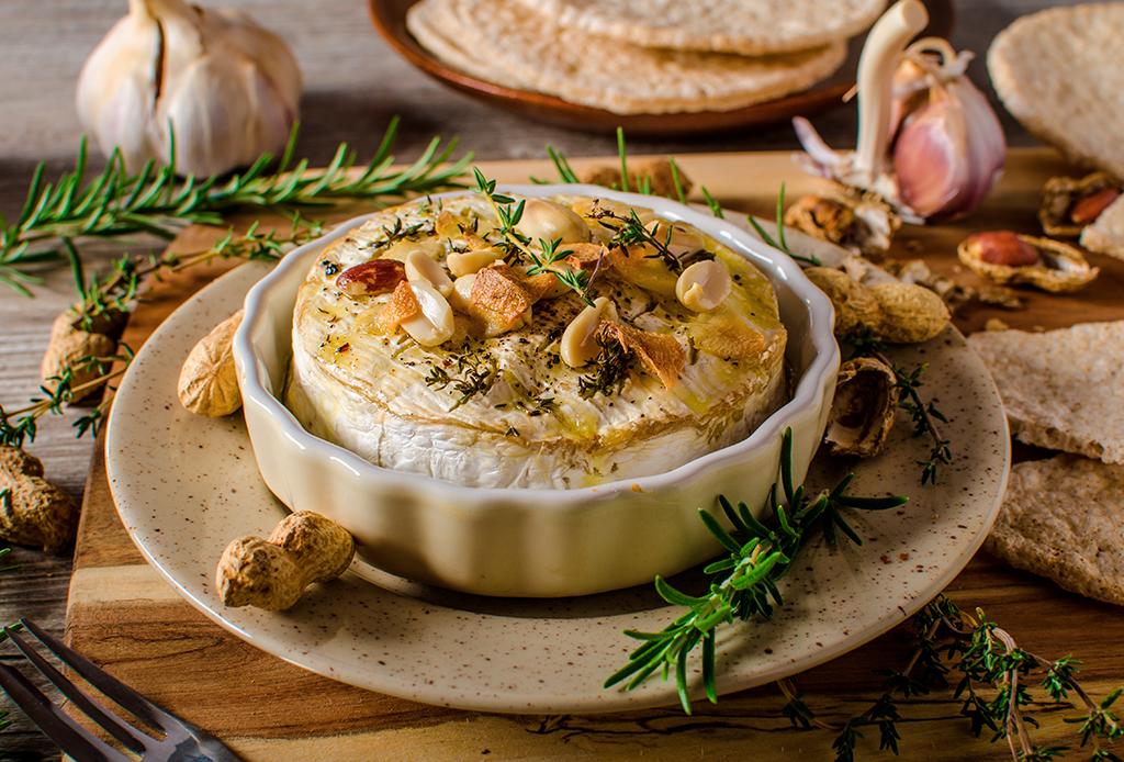 Deliciosas botanas que puedes preparar con quesos maduros - botanas-quesos-2-1024x694