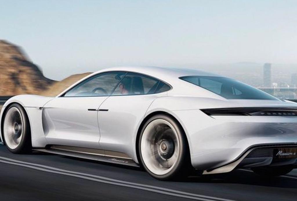 3 razones que hacen del Porsche Taycan uno de los mejores autos eléctricos del mundo - taycan-2-1024x694