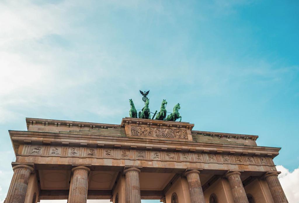 Free Walking Tours que puedes tomar alrededor del mundo - berlin-1024x694