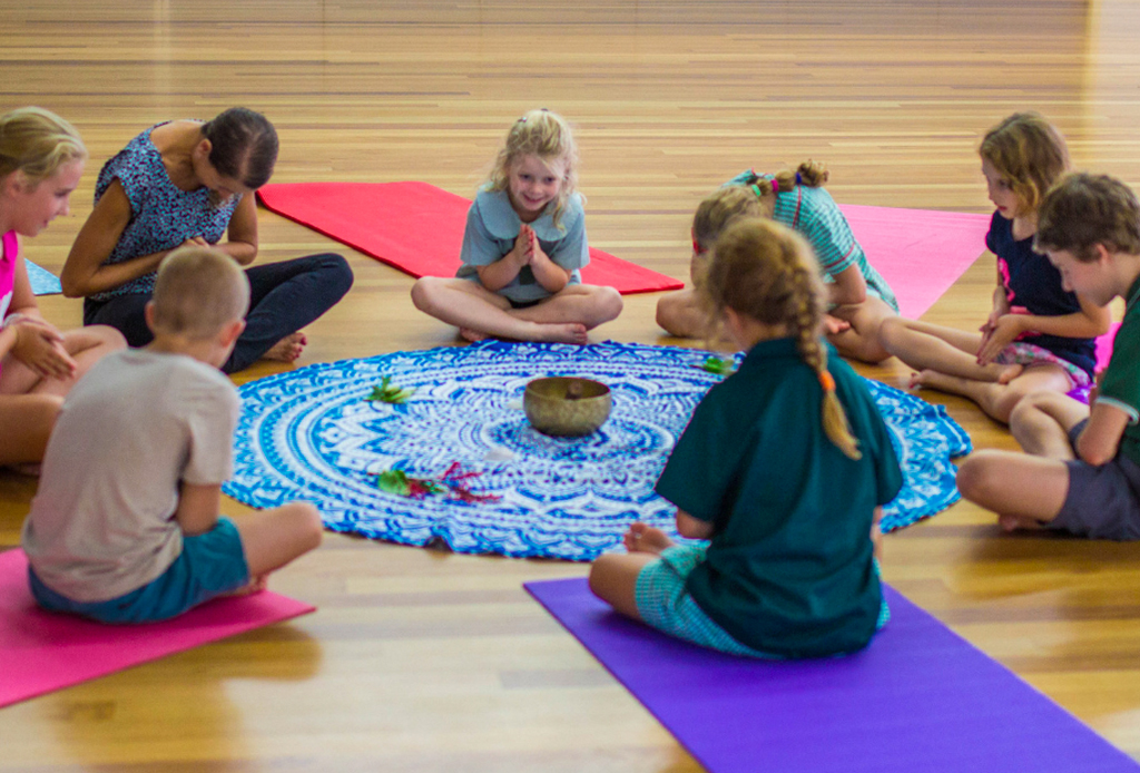 5 tips para enseñarle a meditar a tus hijos - meditacion-nincc83os-3-1024x694