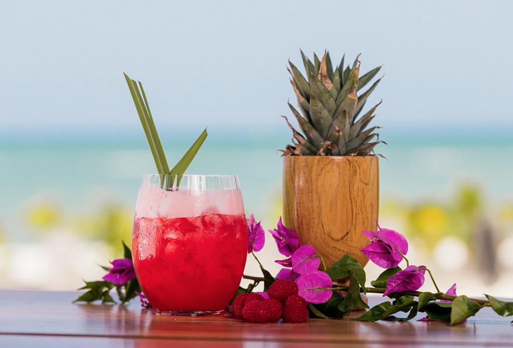 Tomar este drink en Rosewood Mayakoba ayudará a preservar las tortugas marinas