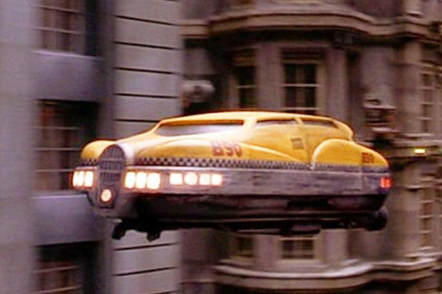 Autos futuristas que han aparecido en películas que te quitarán el aliento - taxi