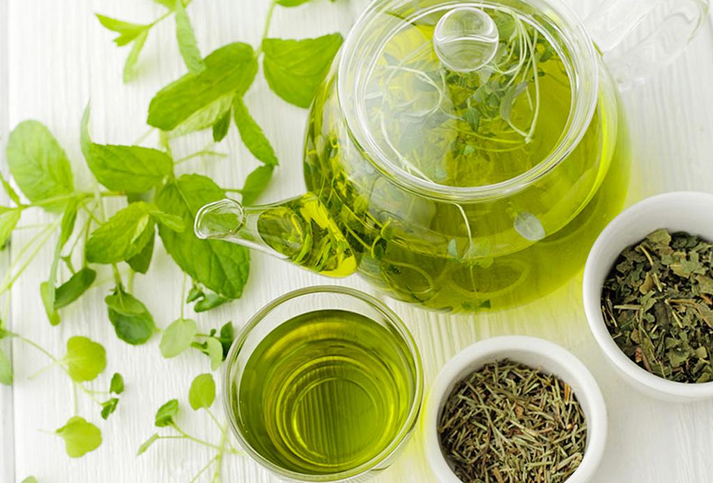 Alimentos que pueden ayudarte a lograr un sueño más profundo (gracias al GABA) - te-verde-1024x694