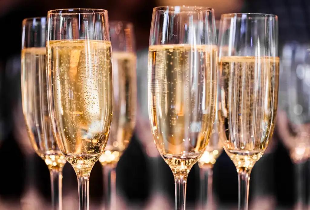 ¿Con qué vinos puedes maridar chiles en nogada? - vinos-chiles-en-nogada-1-1024x694