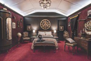 De esta forma podrás dormir con los «monstruos» de Guillermo del Toro