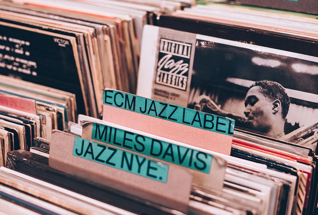 Discos esenciales para entrar al mundo del jazz - jazz-albums-1024x694