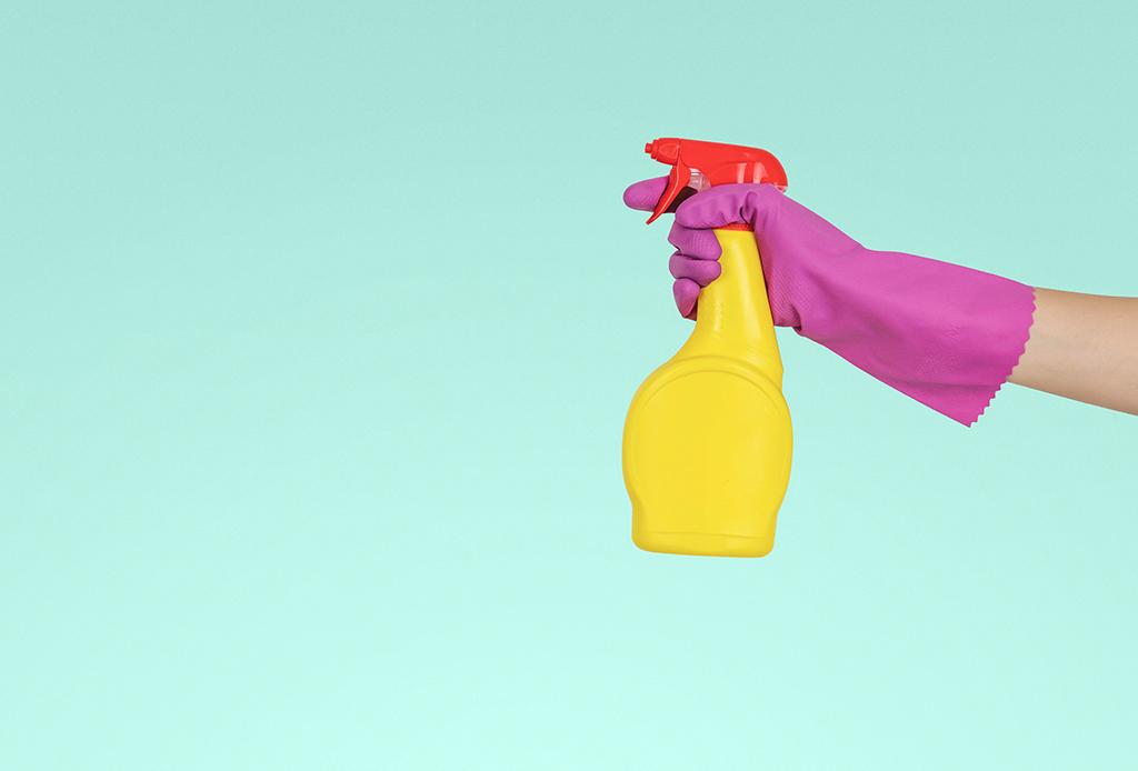 Prueba estos limpiadores ecológicos hechos en casa - limpiadores-4-1024x694