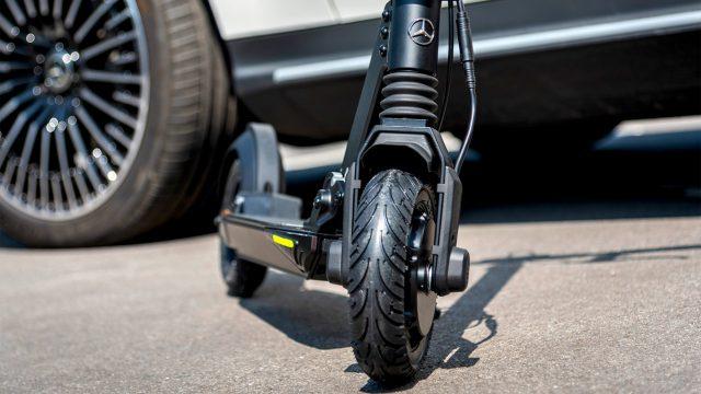 Mercedes-Benz se une a la moda de los scooters eléctricos - scooter