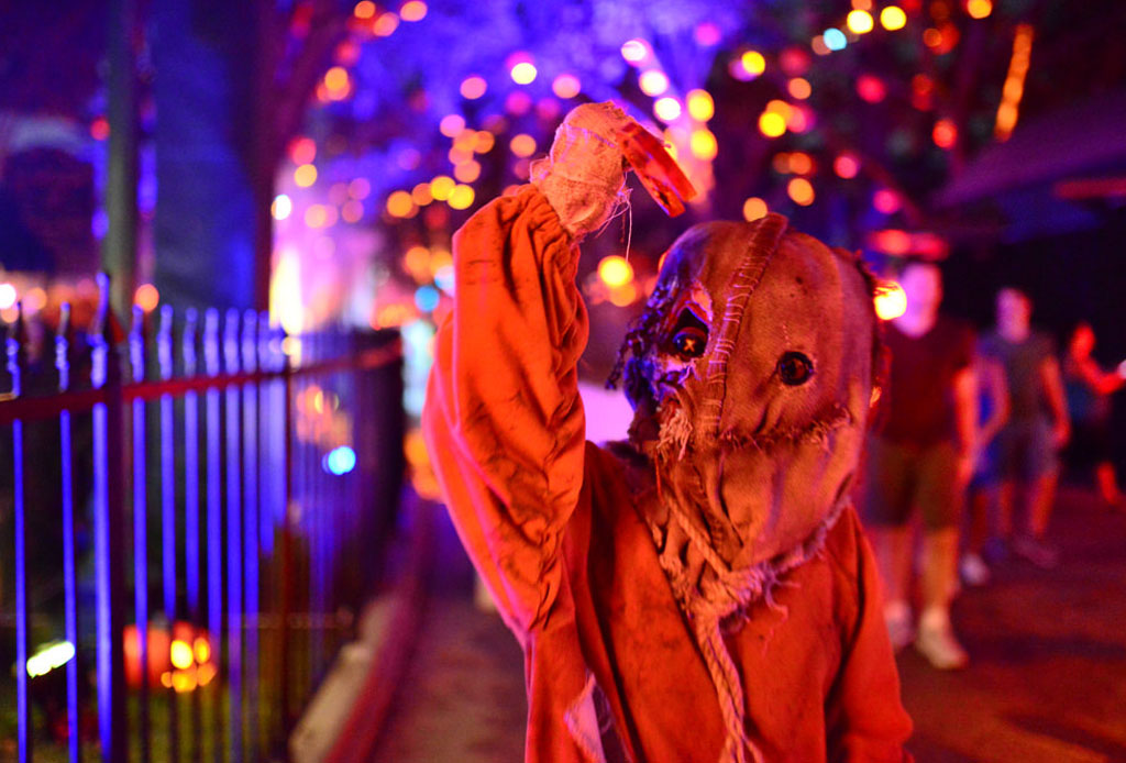 Halloween Freak Show - halloween-horror-nights-orlando