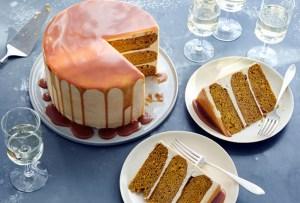 Prepara un delicioso layer cake de calabaza con caramelo