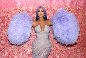 Kylie Jenner decide vender la mitad de Kylie Cosmetics
