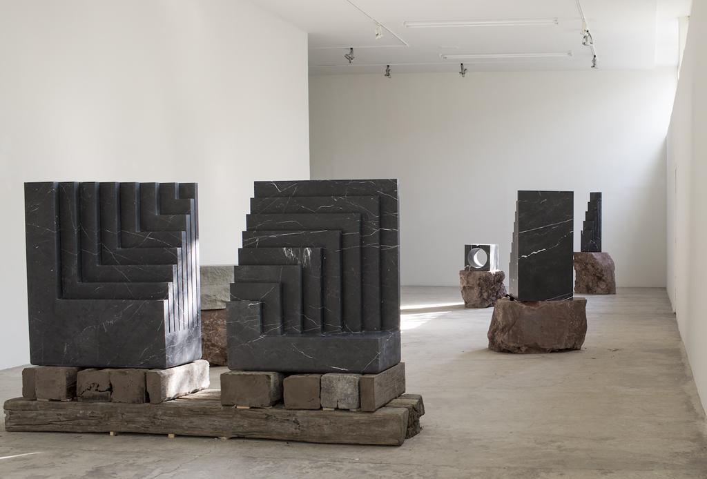 Pedro Reyes: Esculturas Habitables - pedro-reyes-esculturas-habitables