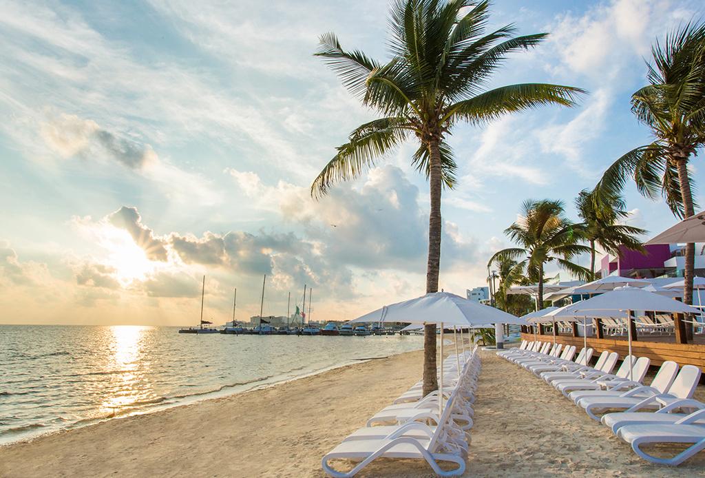 ¡Sorprende a tu pareja! Este resort es una gran opción para un weekend gateaway - cancun-hotel-2