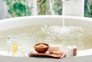 ¿Te atreverías a tomar un baño con vinagre de manzana? Estos son los beneficios