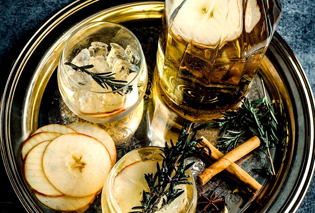 ¿Te propusiste dejar de beber alcohol este año? Checa estas 3 sanas alternativas - sidra-sin-alcohol