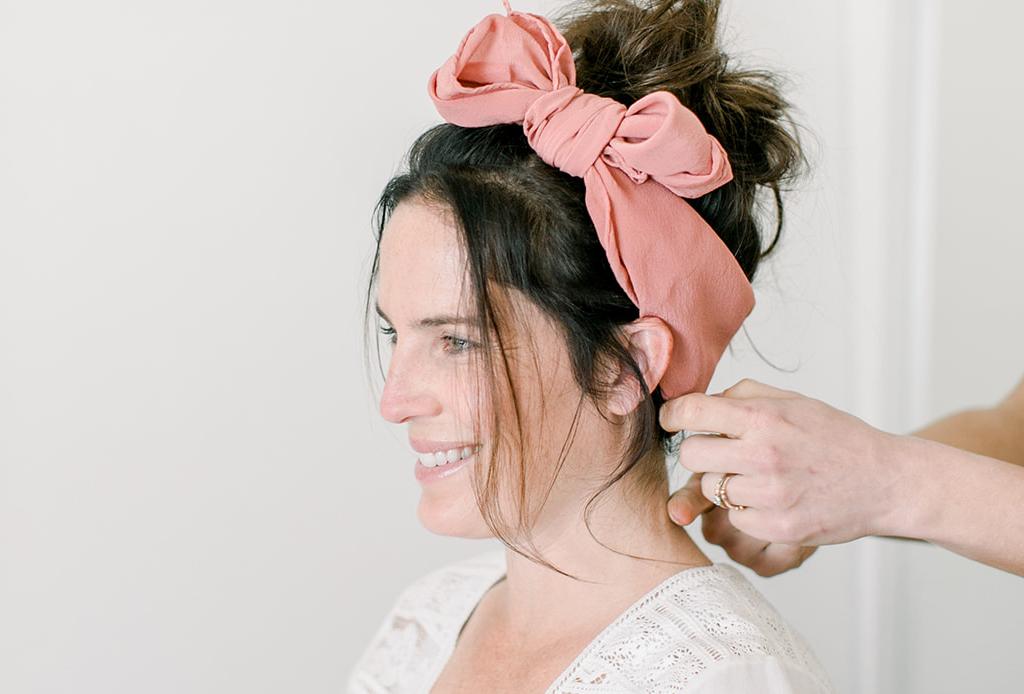 7 peinados que te ahorrarán tiempo en la mañana - top-knot