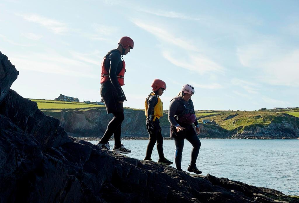 ¿Te consideras un aventurero? Tienes que conocer Coasteering ¡ahora! - coasteering-2