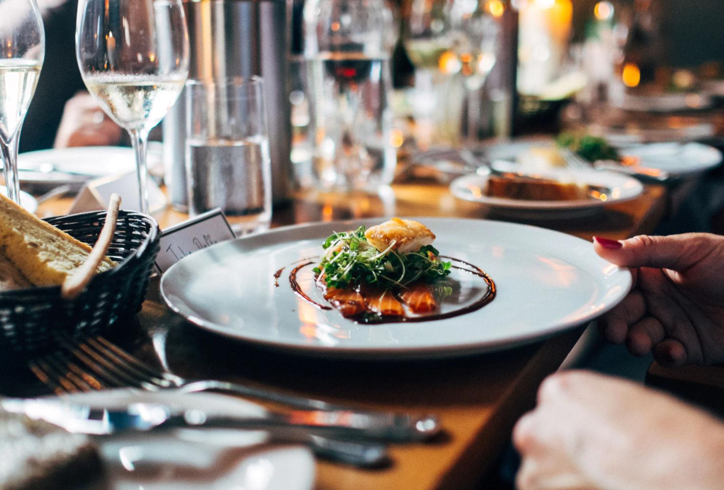 ¿Sabes qué es el bono gastronómico?