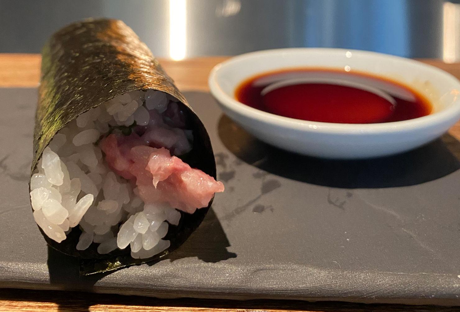 Platillo de la semana: Hand Roll de hamachi negi & trufa de San-Tō