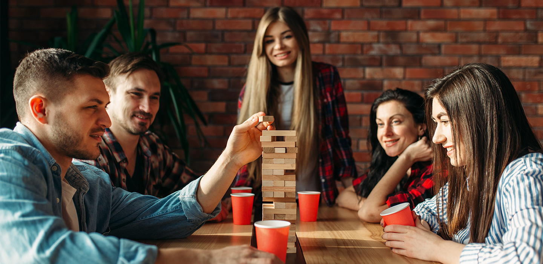 7 juegos de mesa perfectos para disfrutar una noche en familia